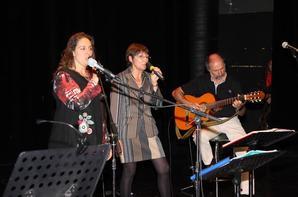 le groupe des 4 Chansons à la scène ouverte à partir de 17H00  en Hommage à Nelson Mandela :Samedi 04 Janvier 2014