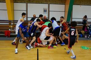 Le sport peut être un formidable vecteur de cohésion sociale  :stage pendant les vacances  avec le soc basket de Carcassonne   partenaire avec  l'association gisc