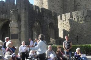 """les résidents de  la chorale Génération Korian le Bastion  """"TOUS EN CHOEURS POUR LA SEMAINE BLEU » avec les bénévoles du GISC"""