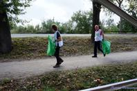 si vous aimez la nature évitez de jeter vos ordure dans le canal du midi patrimoine mondiale de L'UNESCO