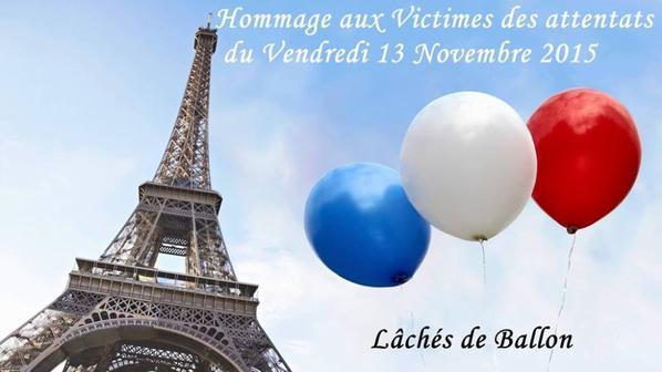"""une  grande fresque   de ballon au couleur de la France ( Bleu, Blanc, Rouge ) . au Portail Jacobin  a Carcassonne :11H00 """"TOUS ENSEMBLE"""" pour vivre comme bon nous semble """"LIBRE """""""