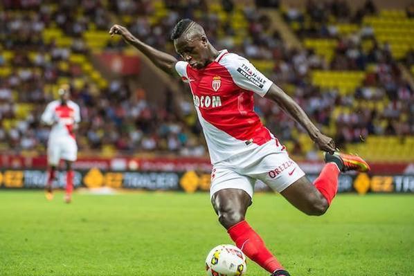 Maillot domicile saison 2016-2017 floqué MENDY (de fos)