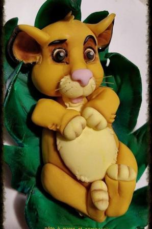 """mon gateau décoré, sur le thème du roi lion de disney """" simba"""""""