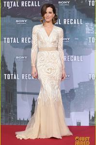 Jessica Biel & Kate Beckinsale: 'Total Recall' Berlin Premiere!