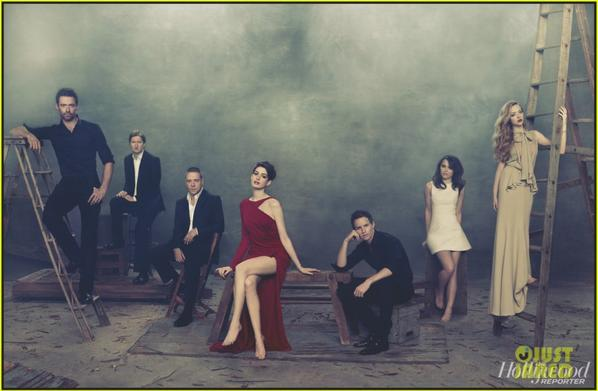 Anne Hathaway & 'Les Miserables' Cast Cover 'THR'