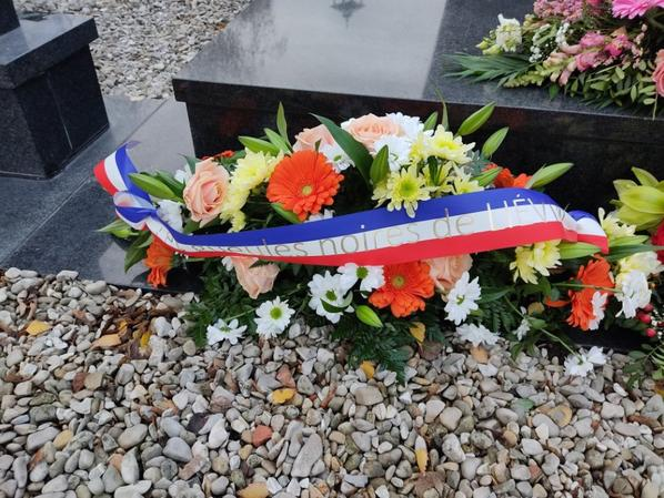 632 - Sainte Barbe 2020 , dépôts de gerbes de fleurs à St Amé , hommages à nos Mineurs disparus .