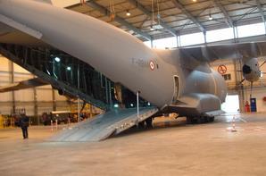 """Visite de la B.A. 123 Orléans-Bricy avec présentation de """"l'Atlas"""" A 400 M"""
