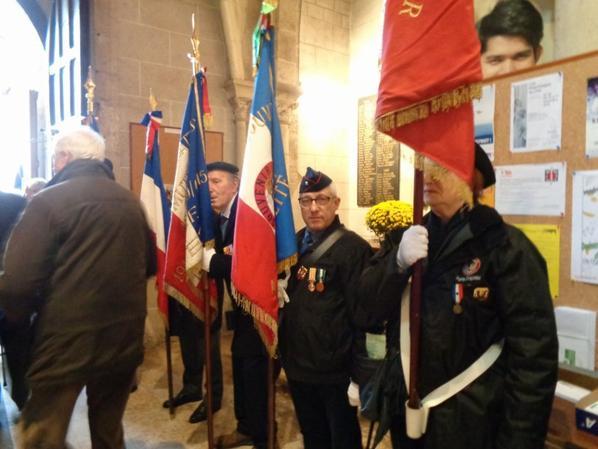 Messe à Olivet pour le 49 ème anniversaire de la disparition du Général DE GAULLE, le 10 novembre 2019, avec 16 drapeaux.