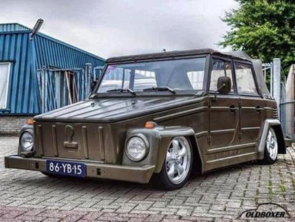 VW 181 ET COMBI version police !