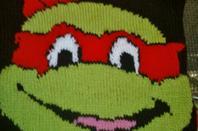voici une tortue ninja Raphael