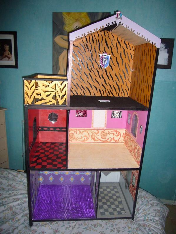 nouvelles maison pour vos monster creation de meuble pour monster high. Black Bedroom Furniture Sets. Home Design Ideas