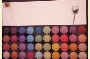 Produit [N°7] : Palette de maquillage Royal Edition de chez Reserve Naturelle