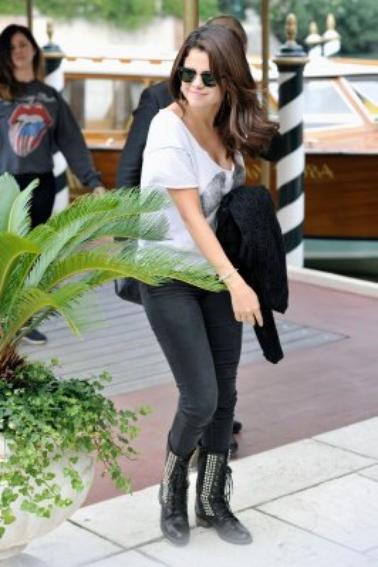 Selena Gomez - 04 septembre 2012 - Arrivant à Venise