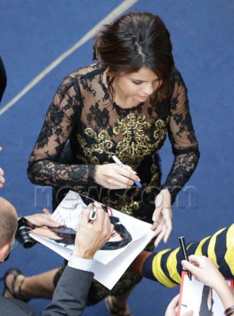 Selena Gomez - 05 septembre 2012 - Arrivant à la conférence de presse à Venise