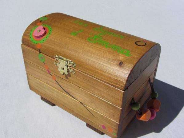 Jouets bois / Coffre à bijoux personnalisé (sur commande) / Abracadabois jouet bois et petit mobilier enfant / travail artisanal