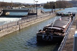 Plein soleil sur la Meuse namuroise (21°) pour cette 1ère. journée de printemps  ;)