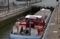 Le NOUMEA à destination d'ACY-ROMANCE (canal de Ardennes) parmi les 19 bateaux de ce 30 mai 2014.