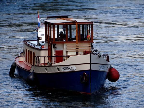 OVERIJSSEL (NL) ancien voilier hollandais de 1910 parmi les bateaux de ce 18 juin 2014 sur la Haute-Meuse