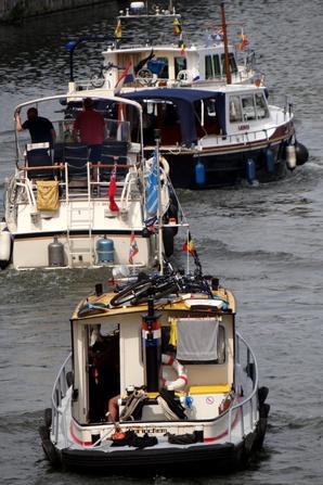 La journée des bateaux à passagers (non réguliers) avec les montants POSEIDON et ANDANTE et l'avalant ARLENE, parmi les 54 bateaux de ce samedi 2 août 2014.