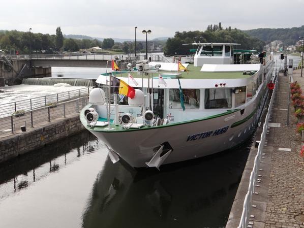 De la Mer du Nord vers la Vallée de la Meuse - VICTOR HUGO (F) CroisiEurope (Strasbourg) de retour de Dinant...