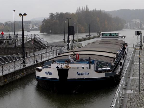 En première, SPES MEA (B) Brugge, de retour de Givet avec 550t. d'orge à destination d'Herent.