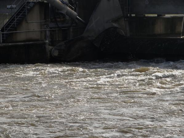 La situation des barrages peut évoluer rapidement (variations) suivant les débits de référence et les consignes de niveau de flottaison des biefs.(régulation-automatisation)