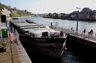 KINEVY refait Yvoir/Schoten pendant 2mois- PRESENT revient sur la Haute Meuse après 5 années...- L'INACCESSIBLE rejoint le port d'Amée.