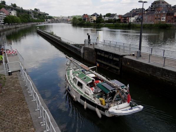 Plus faible trafic en raison de la baisse d'eau du bief plantois (-0,50m.) annoncée pour ces 27 et 28 mai, alors que le rétablissement de la flottaison normale a été anticipé entre 15h30 et 21h30...