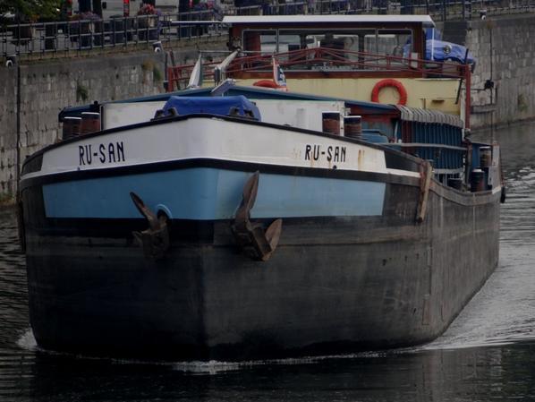 En première tardive, RU-SAN, nouveau venu sur la Haute-Meuse... Retour des vacanciers à bord d'un KEDYS aux couleurs ravivées...  ;)  Les retours bien amorcés avec 20 plaisanciers pour 8 montants...