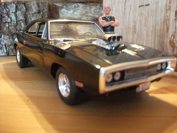 charger 1 25 fast and furious avec bom figurine de vin diesel collection voitures. Black Bedroom Furniture Sets. Home Design Ideas