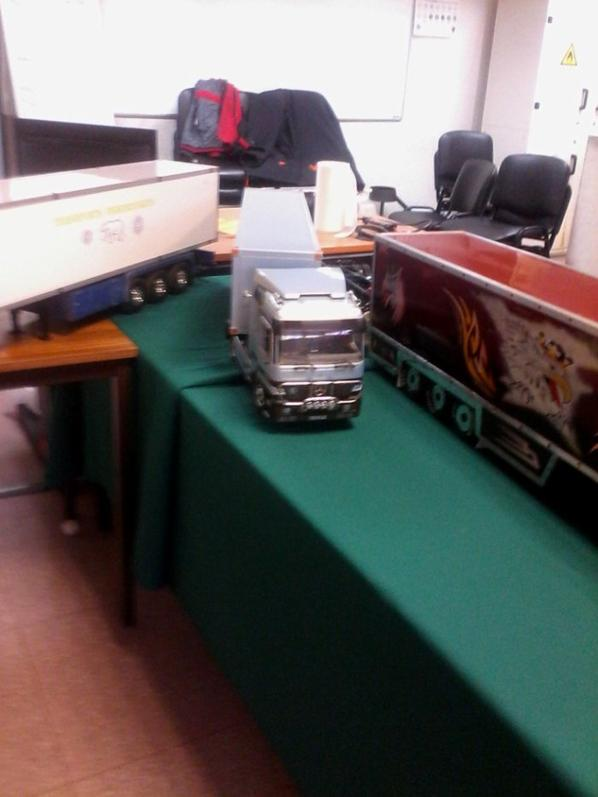 photo de camion model reduit et rodio tèlècomander prise lors de expo de monchy st eloi samedi 12 mars 2016
