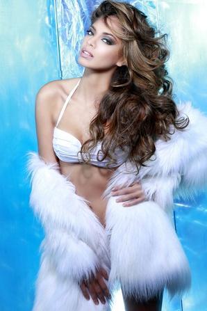 Miss Universe OFFICIAL PORTRAIT of Hinarani France