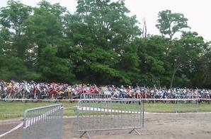 UNE TRES BELLE SOIREE AVEC LE MOTO CLUB COMBELOIS LES BLATTES ET LES ANGEL'S