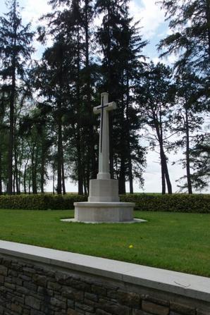 Mémorial terre-neuvien de Beaumont-Hamel , Hawthorn Ridge cemetery no 2 (80)
