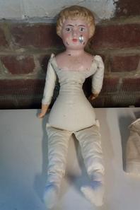Poupée Minerva, tête et buste en métal peint