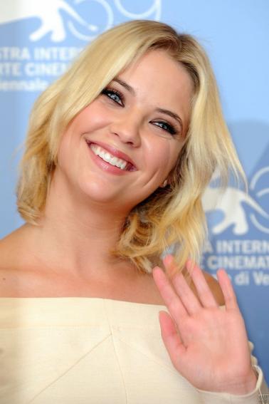 """5 septembre 2012 - Ashley à Venise pour la 1er de """"Spring Breakers""""."""