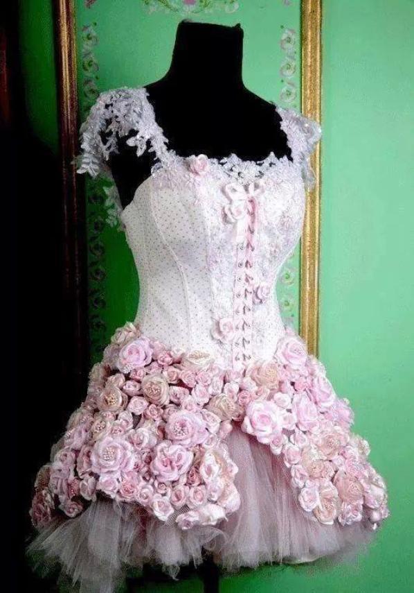 Les Robes Pour Les Concerts De Tini Blog De Violetta 4