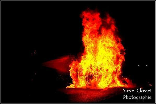 accident et feu voiture a Wavreille Aout 2012
