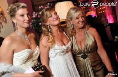 Charlotte de turckheim et ses filles blog de momeschoufrenchie62 - Fille de charlotte de turckheim ...