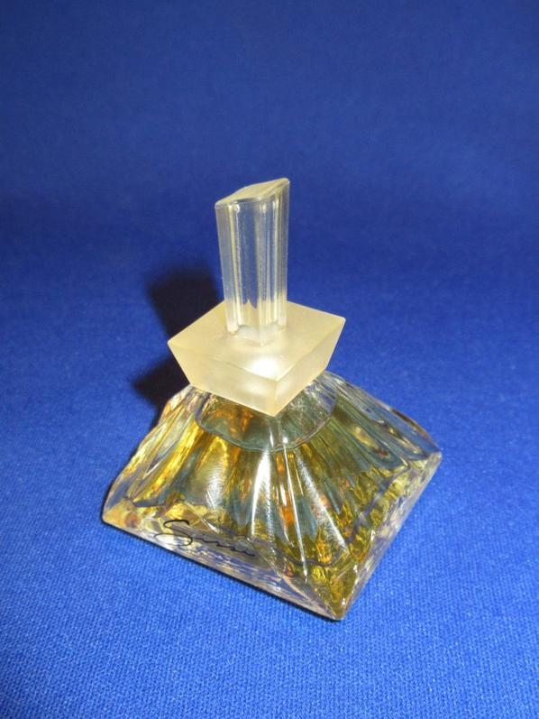 ✿ Morandière (Marc de la) - ses parfums ✿