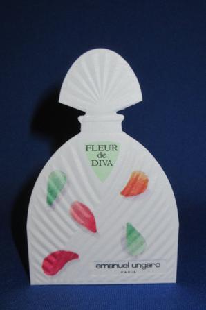 💌  Ungaro Emanuel  💌  cartes parfumées  💌