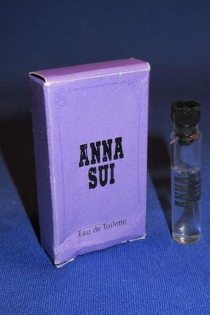✿ Sui Anna  🌸  ANNA SUI  🌸 échantillon en boîte ✿