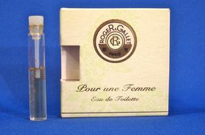 ✿ Roger&Gallet 🌸 POUR UNE FEMME 🌸 échantillon en boîte ✿