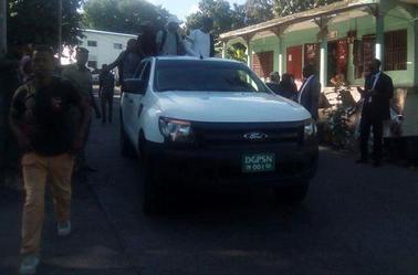 Le Ministre de l'intérieur mobilise des voitures de l'Etat pour les étudiants
