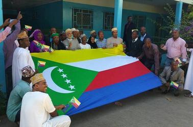 Les images du 6 juillet 2017 : Azali dans la fête de l'indépendance en Grande-comore & Sambi dans les hôpitaux de Hombo et de Ouani