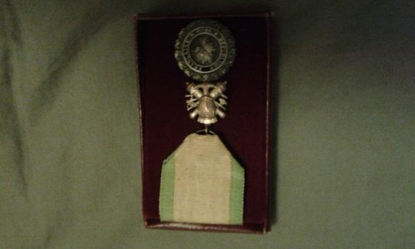 medaille et gourde