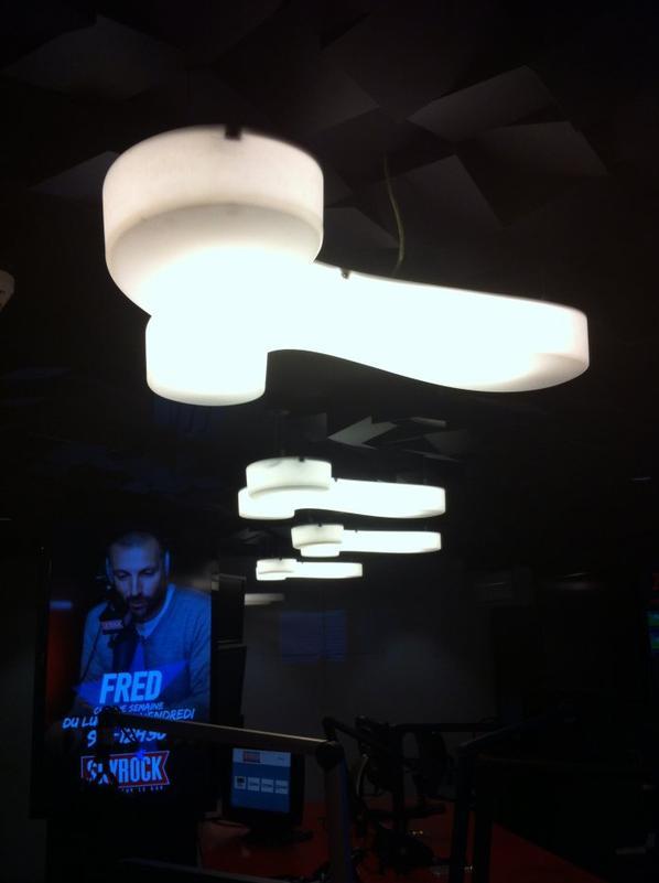 """[ PHOTOS ] Les 1ères images du nouveau studio avec des """"Bites"""" au plafond ... !"""