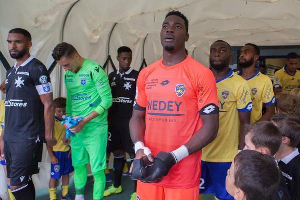 Maillot porté par Ati Zigi contre Auxerre le 09/08/2019