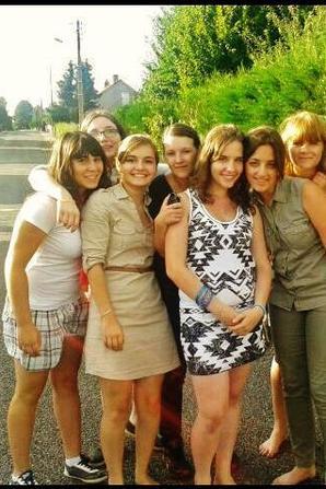 Les amis sont les anges qui nous soulèvent quand nos aile n'arrivent plus à se rappeler comment voler ...♥