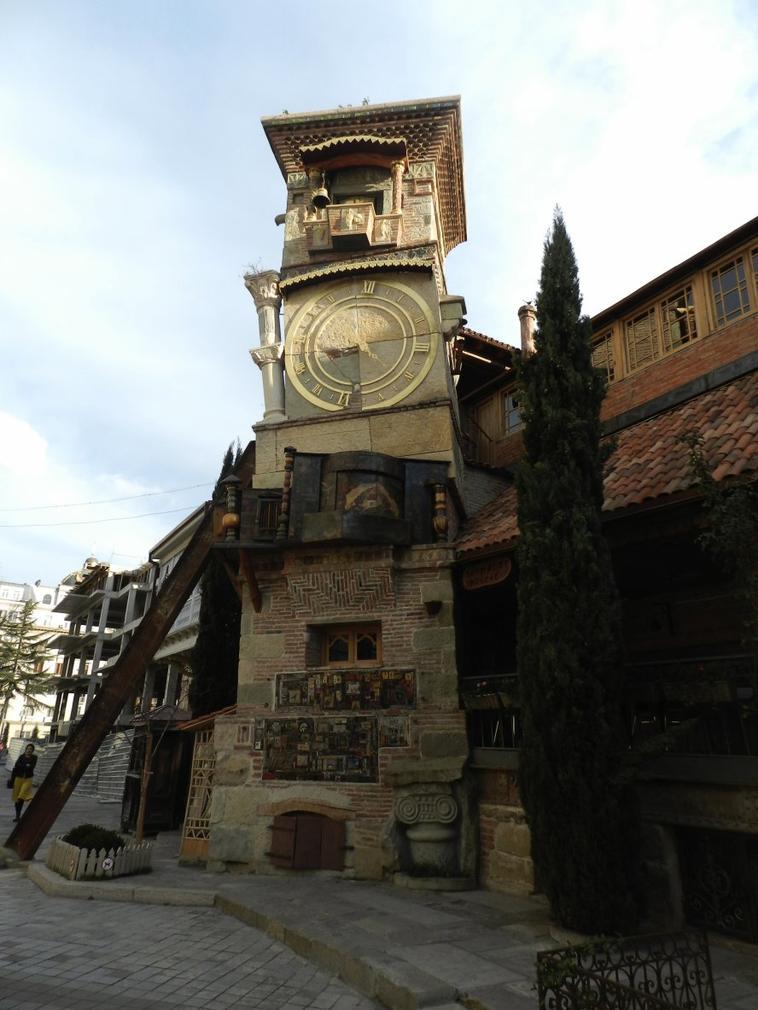 Quatre jours en Géorgie (Tbilissi, Mtskheta, Gori, Ouplistsikhé, Sighnaghi) www.yourdest.com
